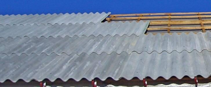 Шиферная крыша является самым экономным вариантом обустройства
