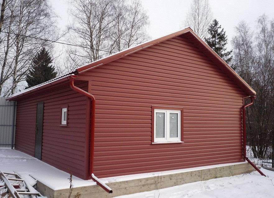 Двухскатная крыша является самой популярной конструкцией кровли