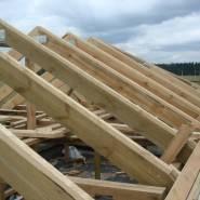 Каркас крыши чаще всего делают из дерева