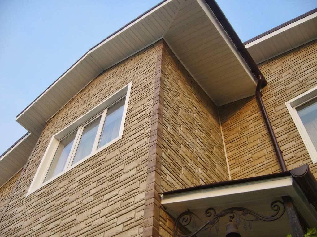 Стеновые панели легко замаскируют недостатки поверхности