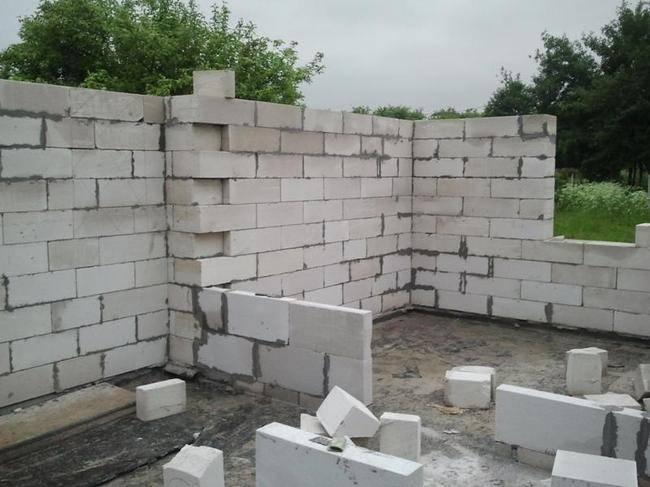 Перед началом строительства следует рассчитать будущий расход материалов