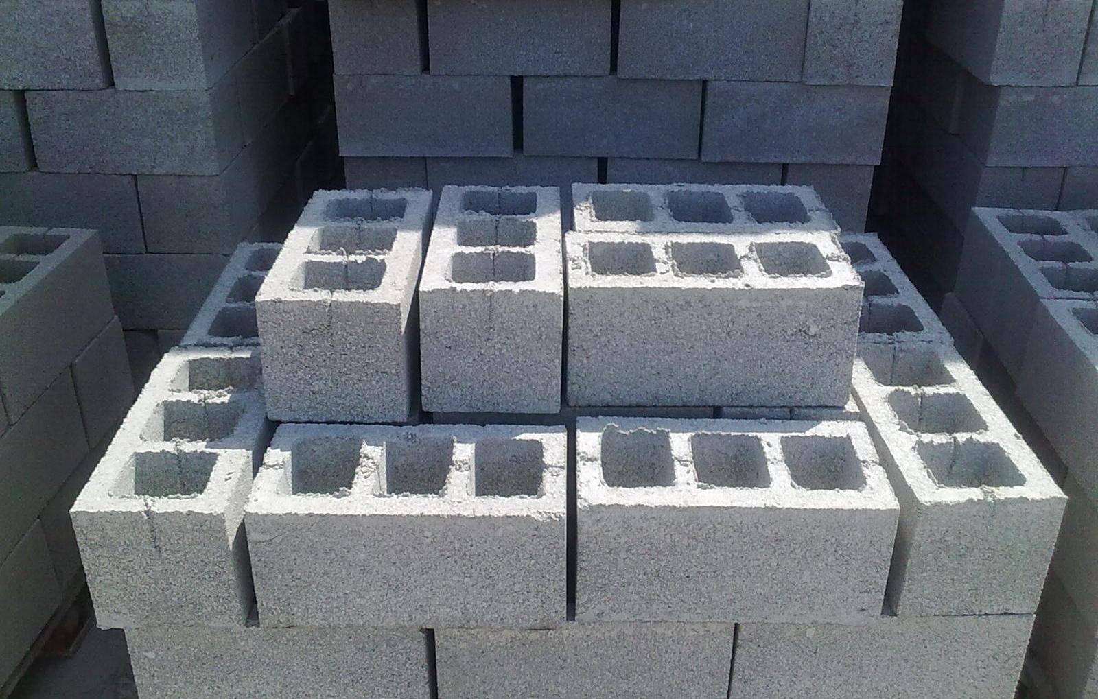 Шлакоблок значительно облегчает строительство